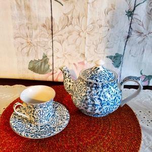Darice Teapot w/Matching Cup & Saucer
